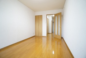 https://image.rentersnet.jp/7ac884a9-593a-4ac4-abe2-5badd6770d71_property_picture_956_large.jpg_cap_居室