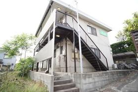 https://image.rentersnet.jp/7ace587c-c9ff-4dcc-a786-c9b7e763a5c8_property_picture_956_large.jpg_cap_エントランス