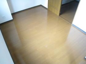 https://image.rentersnet.jp/7adc6fa2-e79e-413d-b4eb-7a630b0fdf28_property_picture_961_large.jpg_cap_居室