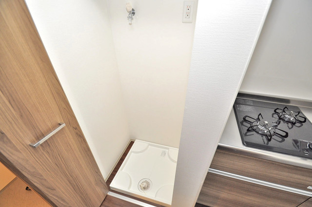 セイワパレス玉造上町台 嬉しい室内洗濯機置場。これで洗濯機も長持ちしますね。