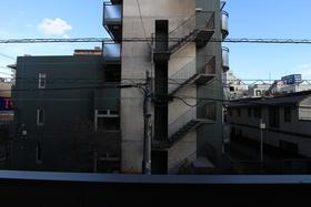 モンテーニュ 201号室