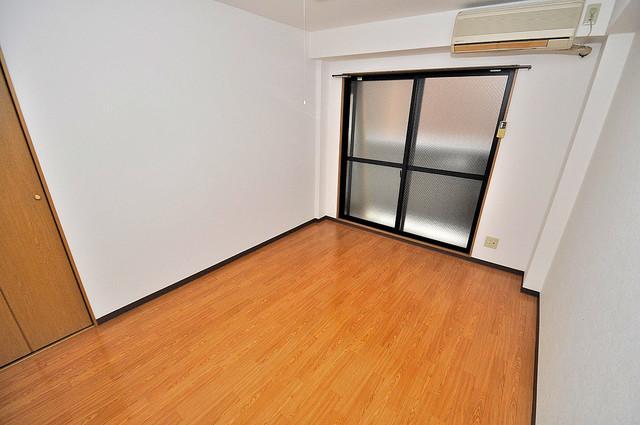 オーナーズマンション菱屋西 落ち着いた雰囲気のこのお部屋でゆっくりお休みください。