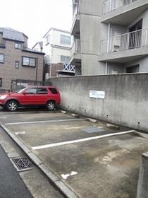 ヴィラMGⅡ駐車場