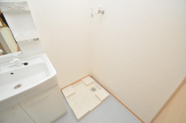 セレンディピティ・ちゅらヴィラ 洗濯機置場が室内にあると本当に助かりますよね。