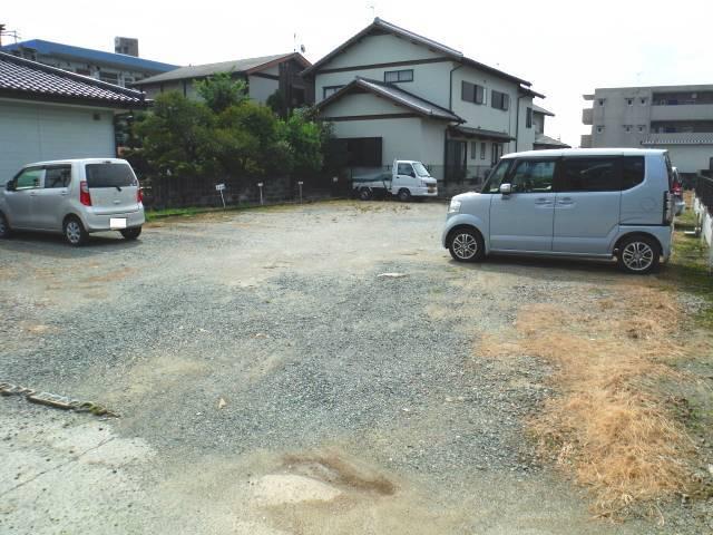 近隣月極駐車場まで徒歩2分