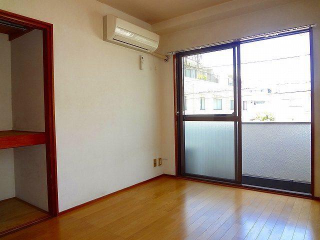 メゾンヨコヤマ居室