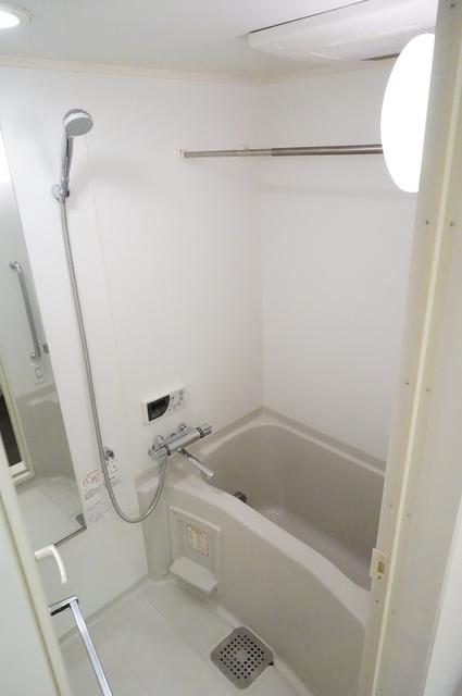 アトラス江戸川アパートメントバス