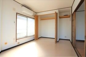 秋山ハイツ 301号室