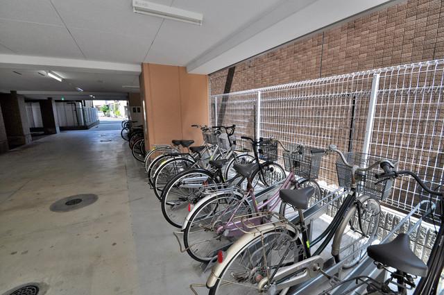 M'プラザ布施弐番館 屋根付き駐輪場は大切な愛車を雨風から守ってくれます。