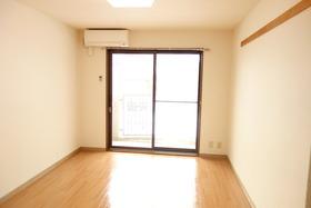 https://image.rentersnet.jp/7d40b8f1-9e5f-4dd1-b3e8-ad77de0c88b8_property_picture_1992_large.jpg_cap_居室