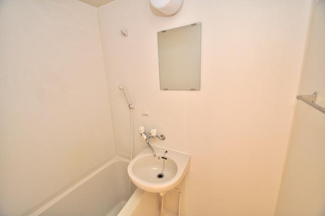 八戸ノ里HIROビル 小さいですが洗面台ありますよ