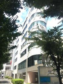 原宿駅 徒歩9分