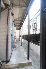 コンファメイション・ハウス 203号室