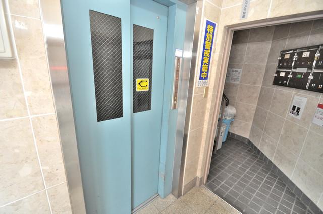 ボナール森之宮 嬉しい事にエレベーターがあります。重い荷物を持っていても安心