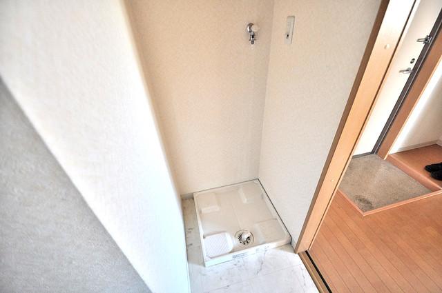 アンソレイユ菱屋西 洗濯機置場が室内にあると本当に助かりますよね。