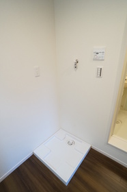 https://image.rentersnet.jp/7e759251-62c1-403e-b430-bfd253a3d302_property_picture_2409_large.jpg_cap_★室内洗濯機置き場★