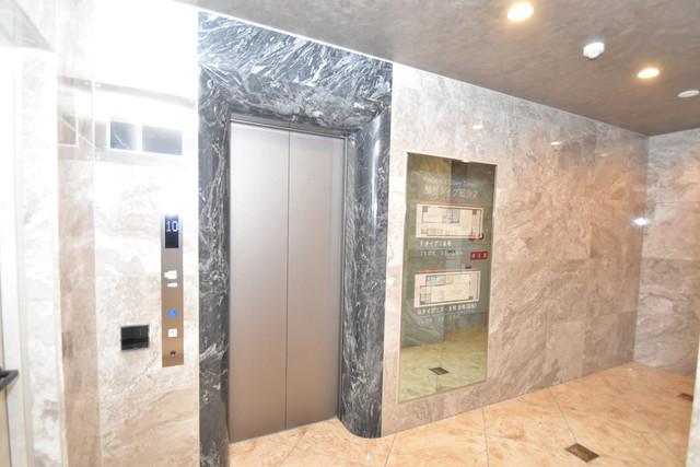 PHOENIX Clove Tomoi 嬉しい事にエレベーターがあります。重い荷物を持っていても安心