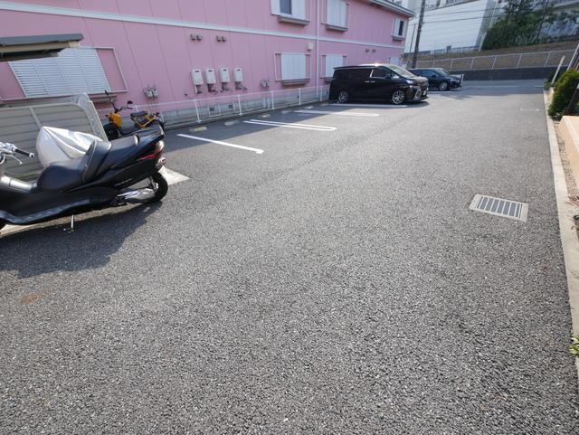 メイプル駐車場