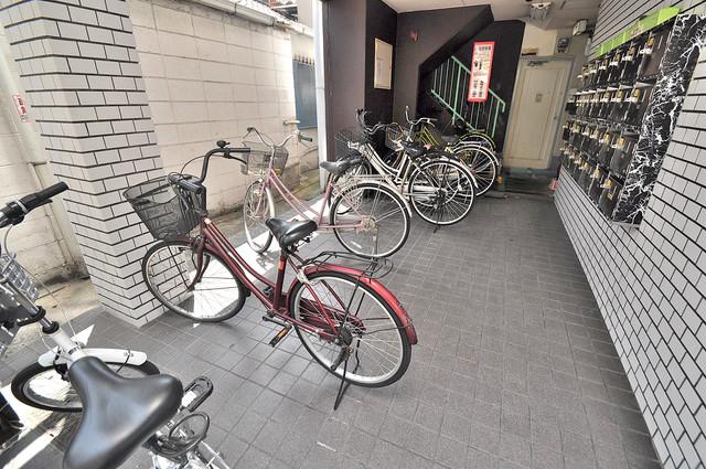 エテルナ長瀬 あなたの大事な自転車も安心してとめることができますね。