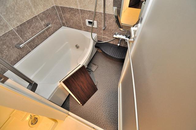 セレッソコート八戸ノ里ハートランドイーストビュー 広めのお風呂は一日の疲れを癒してくれます。