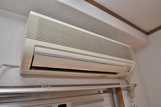 新深江池田マンション エアコンがあるのはうれしいですね。ちょっぴり得した気分。