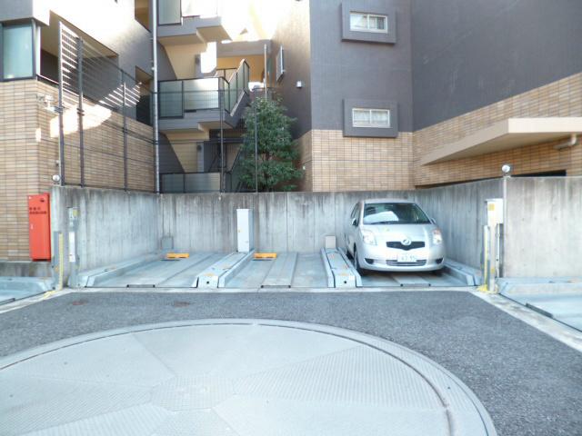 パンテオン西国分寺駐車場