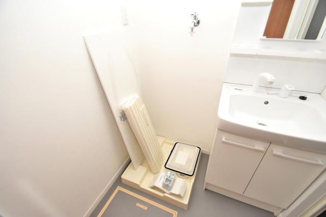 リビングライフ長瀬 嬉しい室内洗濯機置場は脱衣場も兼ねています。