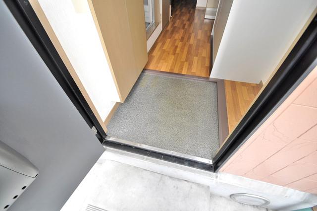 サンビレッジ・デグチⅡ 玄関を開けると解放感のある空間がひろがりますよ。