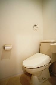 https://image.rentersnet.jp/8029d9c9-f343-47d8-b0fc-2c38088e15b7_property_picture_962_large.jpg_cap_トイレ