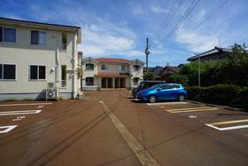 https://image.rentersnet.jp/8079ba39-ed72-4331-9f07-850949fb78ca_property_picture_1993_large.jpg_cap_駐車場
