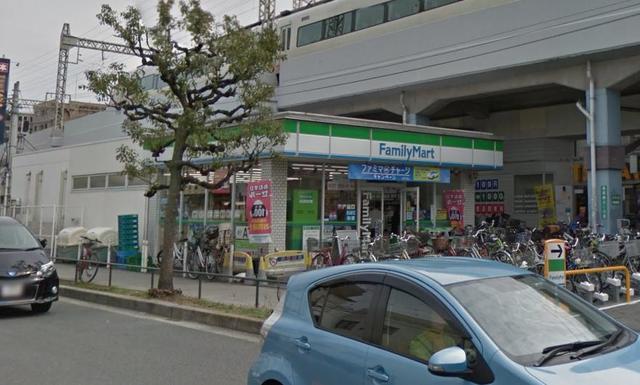 アバンティ八戸ノ里 ファミリーマート近鉄八戸ノ里駅前