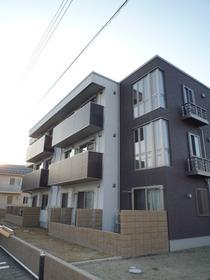 https://image.rentersnet.jp/80a3b383-6829-4bce-8d99-268c0f12bd58_property_picture_959_large.jpg_cap_外観