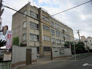 CASSIA高井田NorthCourt 東大阪市立高井田中学校