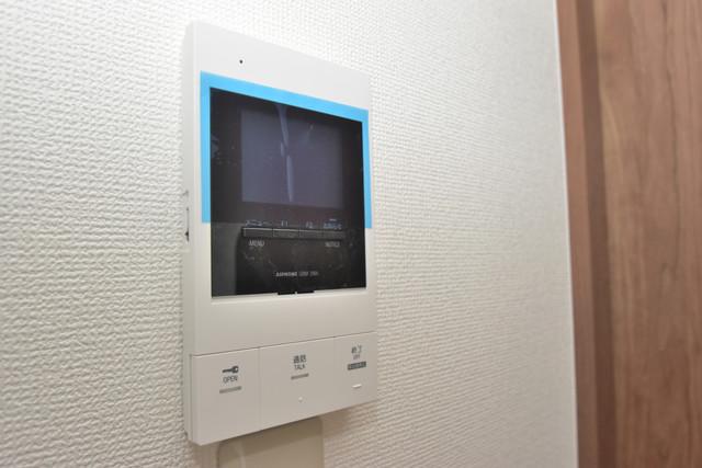 Tースクエア布施 TVモニターホンは必須ですね。扉は誰か確認してから開けて下さいね