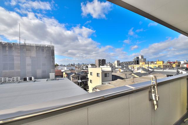 カインド高井田 この見晴らしが陽当たりのイイお部屋を作ってます。