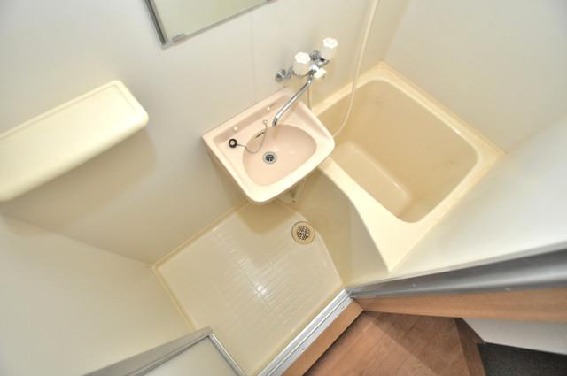 ロンモンターニュ小阪 小さいですが洗面台ありますよ