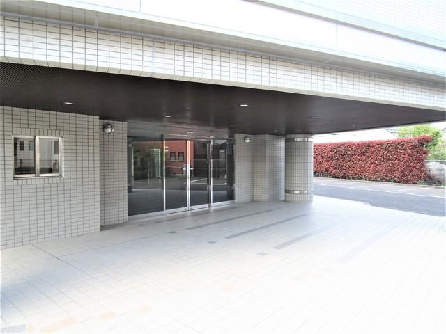 町田駅 バス6分「菅原神社前」徒歩3分エントランス