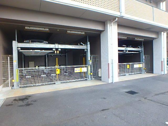 ハルグラン柿生駐車場