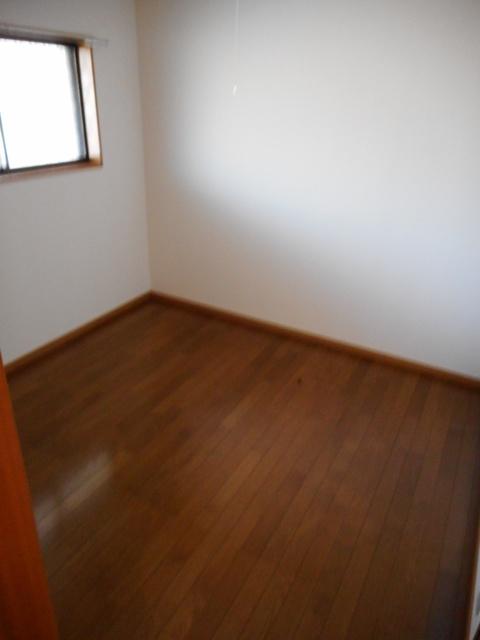 ホープハイツE棟居室
