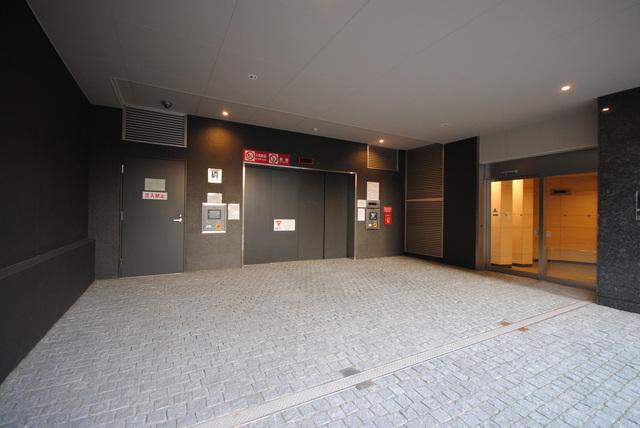 プレミスト赤坂檜町公園駐車場