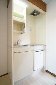 1口のIHコンロとミニン冷蔵庫が付いたキッチン!!