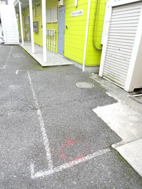 プロムナード生麦B駐車場