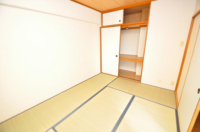 アインス巽 落ち着いた雰囲気のこのお部屋でゆっくりお休みください。