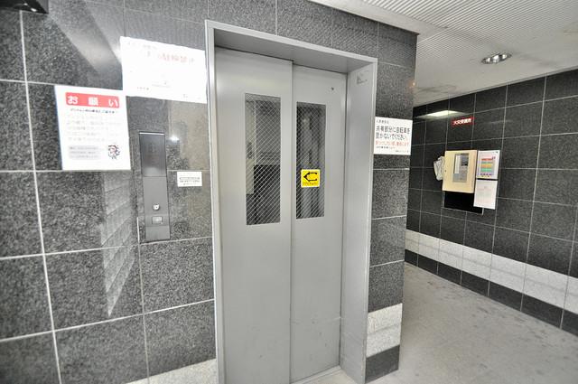 清洲プラザ高井田 嬉しい事にエレベーターがあります。重い荷物を持っていても安心
