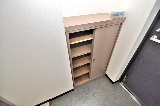 オルゴグラート長田 玄関にはオシャレなシューズボックスが設置されていますよ。