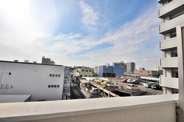 CASSIA高井田SouthCourt この見晴らしが陽当たりのイイお部屋を作ってます。