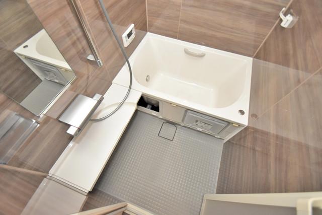 リビングライフ長瀬 ちょうどいいサイズのお風呂です。お掃除も楽にできますよ。