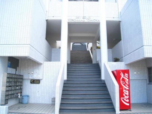 スカイコート横浜富岡エントランス