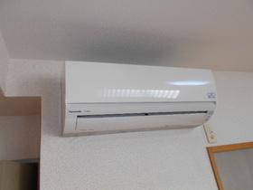 リビングと各洋室に設置されているエアコン(合計で3台)