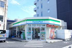 https://image.rentersnet.jp/828fd600-8550-41a5-bb90-1c305917a8a5_property_picture_2871_large.jpg_cap_ファミリーマート新潟医学町通店